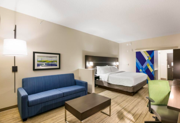 Holiday Inn Express & Suites - Jacksonville - Town Center