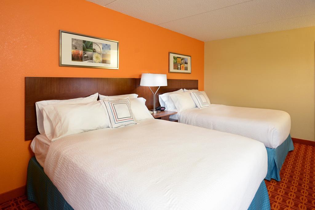 Fairfield Inn and Suites by Marriott Winston Salem/Hanes
