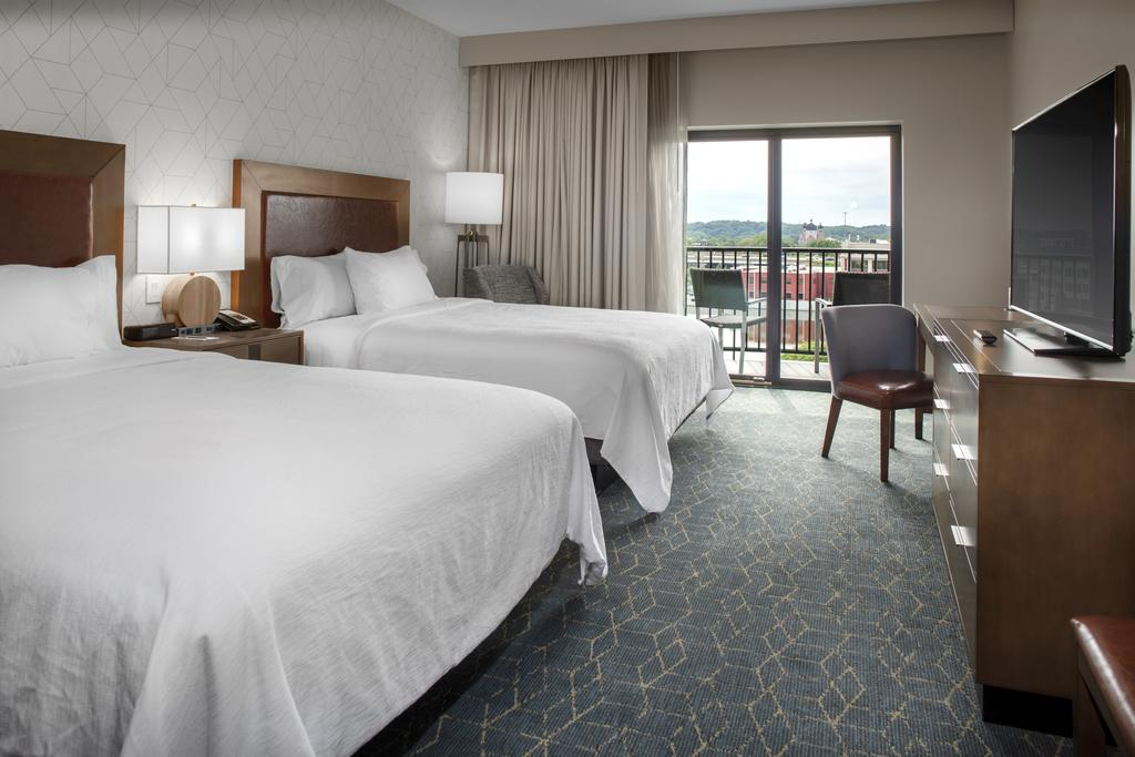 HotelEmbassy Suites By Hilton Grand Rapids Downtown