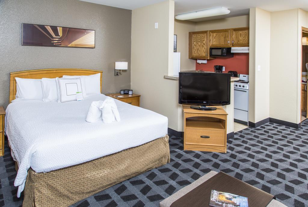 TownePlace Suites by Marriott Anaheim Maingate Near Angel Stadium