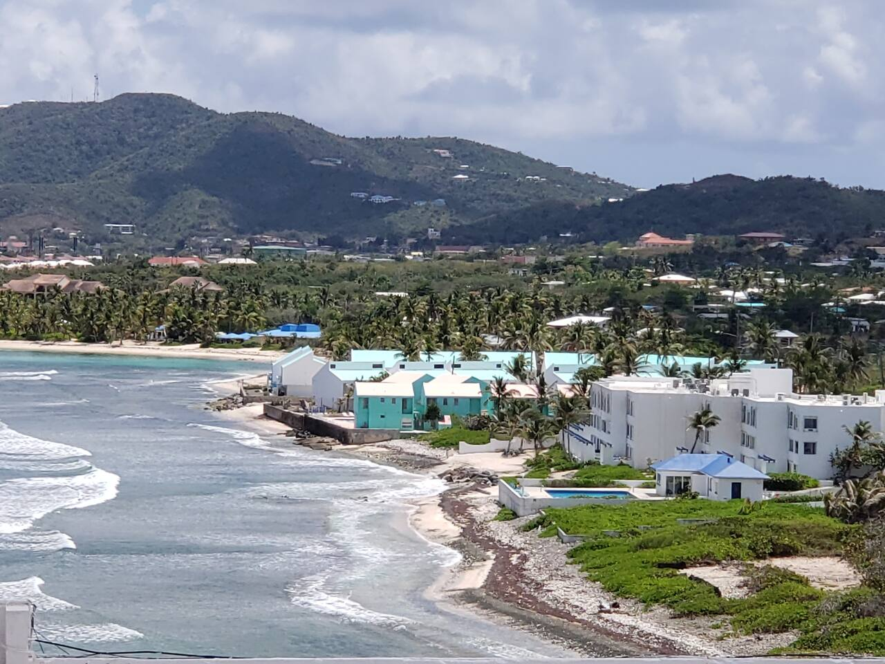Amazing Caribbean Sea View Condo w/Cable and WIFI