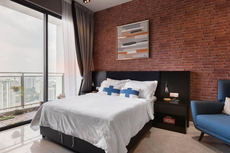 Designer Comfort Luxury Penthouse in Bangsar with Cosy Patio